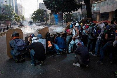 Muere joven durante protesta en Venezuela