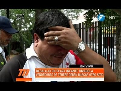 Desalojan a vendedores de tereré de la plaza Infante Rivarola