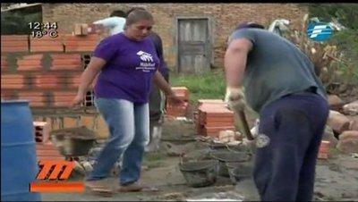 Ladrillo por ladrillo: Mujeres construyen su casa propia