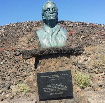 La desértica Isla de Lobos donde nació Josefina Plá