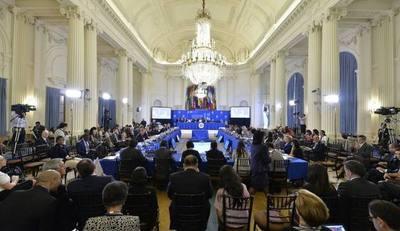 OEA posterga decisión sobre crisis venezolana