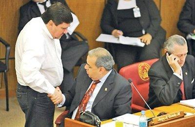 Llano condiciona votos para sacar al titular de Diputados