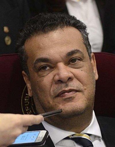 Efrainistas procuran tener una lista única de candidatos para el Senado