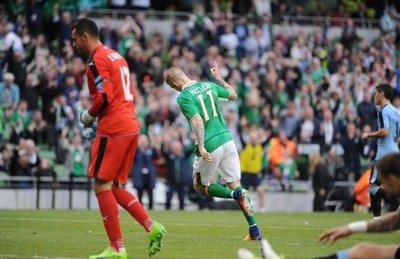 Irlanda hace respetar su casa y supera a Uruguay