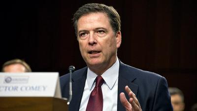 El exdirector del FBI entrega declaración