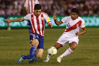 Paraguay mide hoy a Perú con la mente puesta en las eliminatorias
