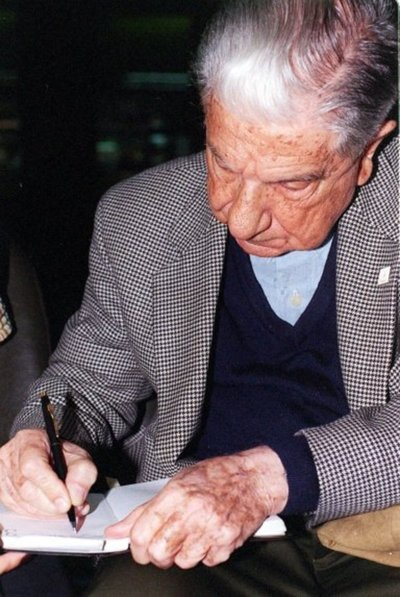 Nuestro Augusto escritor cumple 100 años