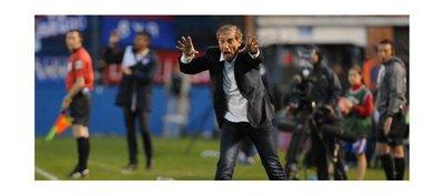 La trayectoria de Eduardo Acevedo, un descenso entre dos campeonatos
