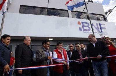 Presidente inaugura BNF en Iruña
