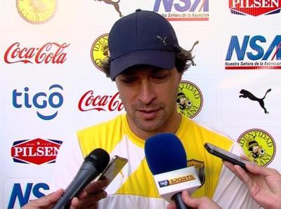 Daniel Garnero prepara el juego ante Nacional