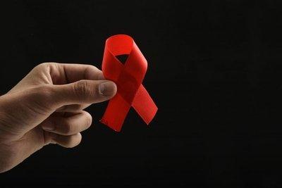 VIH: 4 nuevos casos por día en Paraguay