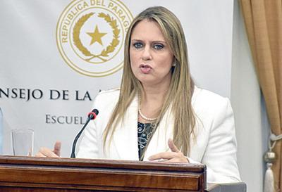 """""""Los políticos no deberían elegir y juzgar a los  jueces y agentes fiscales"""""""