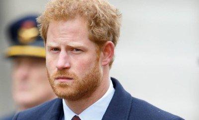 Enrique admite que se planteó salir de la familia real