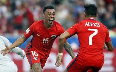 Chile sufre y se cita con Portugal en semis