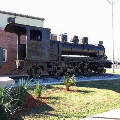 """Restauran locomotora centenaria en Puerto Casado, """"resurge una ciudad"""""""