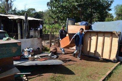 Desalojan a familias de una propiedad privada de Ñemby
