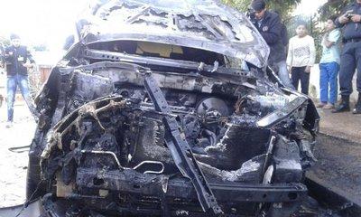 Incendian automóvil de concejala de Guairá