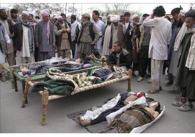 Mueren cuatro niños al explotar un proyectil con el que jugaban en Afganistán