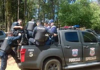 Matan a dos policías en operativo contra rollotráfico