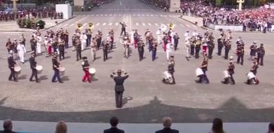Desfile militar al son de Daft Punk en Francia