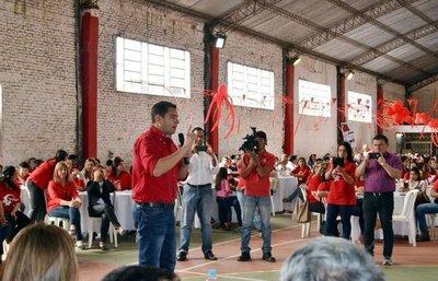 """Los docentes convocados """"libremente"""" apoyan a Peña"""