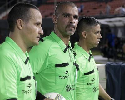 Árbitros y asistentes de la primera fecha del Torneo Clausura