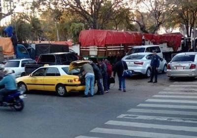 "Tras la agotadora jornada de ""lucha"", dirigentes vuelven en taxis a hoteles"