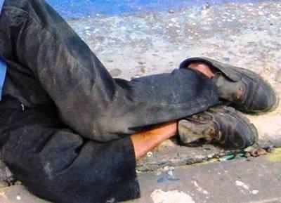Abuelo indigente muere de frío: no quiso ir al refugio
