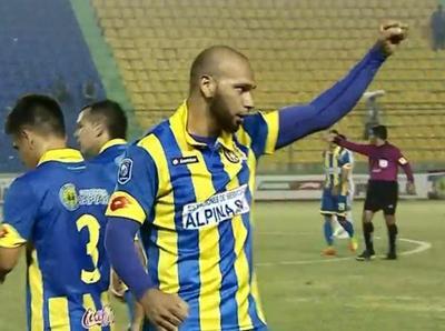 El Loco Pérez anota el primer gol del Clausura