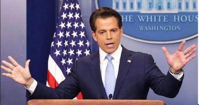Director de comunicaciones de la Casa Blanca sale del cargo