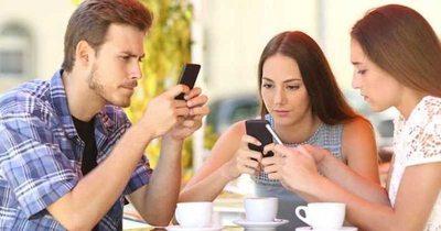 Estudio: ¿Es productivo o no? usar smartphones en el trabajo