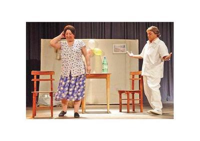 El teatro tributa a Carlos Gómez y Edda de los Ríos
