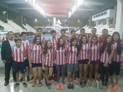 Nadadores en la Copa Pacífico de Santa Cruz