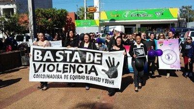 Coronel Oviedo: Marcha contra la violencia hacia las mujeres