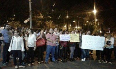 UC: Estudiantes de Derecho se oponen a toma de Filosofía