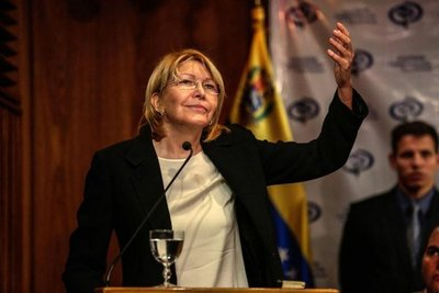 Destituida fiscal Luisa Ortega llegó a Colombia tras salir de Venezuela