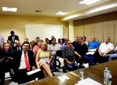 """El """"premio"""" de Blas Llano para los parlamentarios que apoyaron la enmienda"""