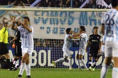 Atlético Tucumán golpea en la ida