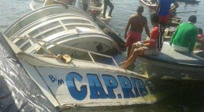 10 muertos y 30 desaparecidos en naufragio en Brasil