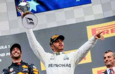 Hamilton celebra su carrera 200 con triunfo