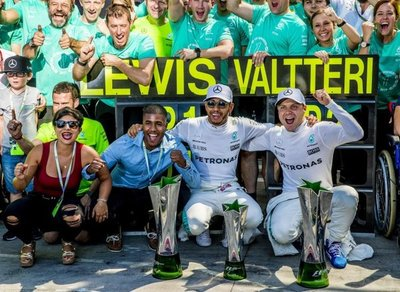 Hamilton gana en Italia y es nuevo líder Mundial