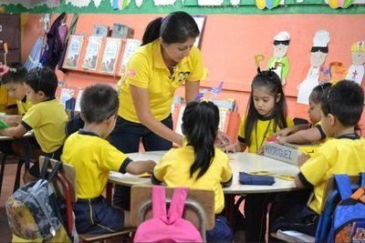 Subrayan la importancia de incentivar a profesores