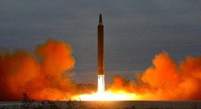 """Corea del Norte dice que quería """"calmar la beligerancia de EEU"""" con su misil"""