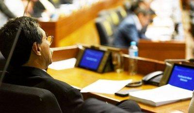 Gobierno paralelo de HC ordena a los diputados cartistas cómo votar