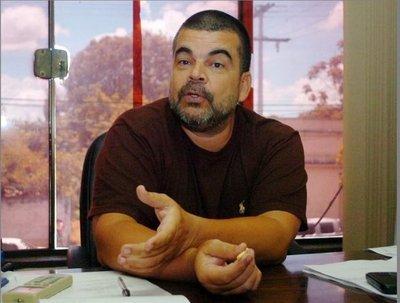 Roberto Velázquez ya no es fiscal