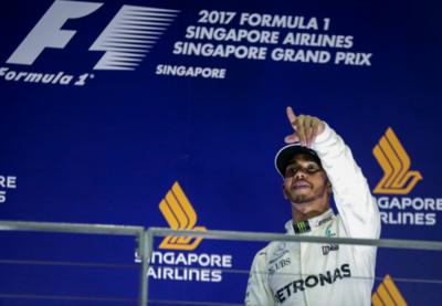 Fórmula 1: Hamilton prevalece en el caos