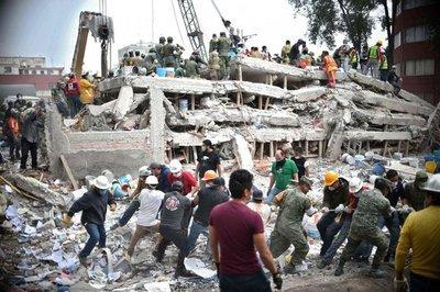 Rescates en México avanzan lento y contra el reloj