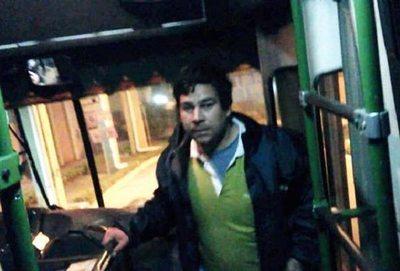 "Un menor se llevó Chofer ""héroe"", hace 9 meses sin laburo"