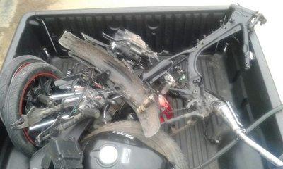 Recuperaron moto, pero en piezas...