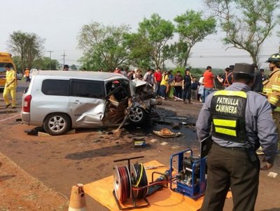 Dos personas fallecen en choque frontal en Ruta 7
